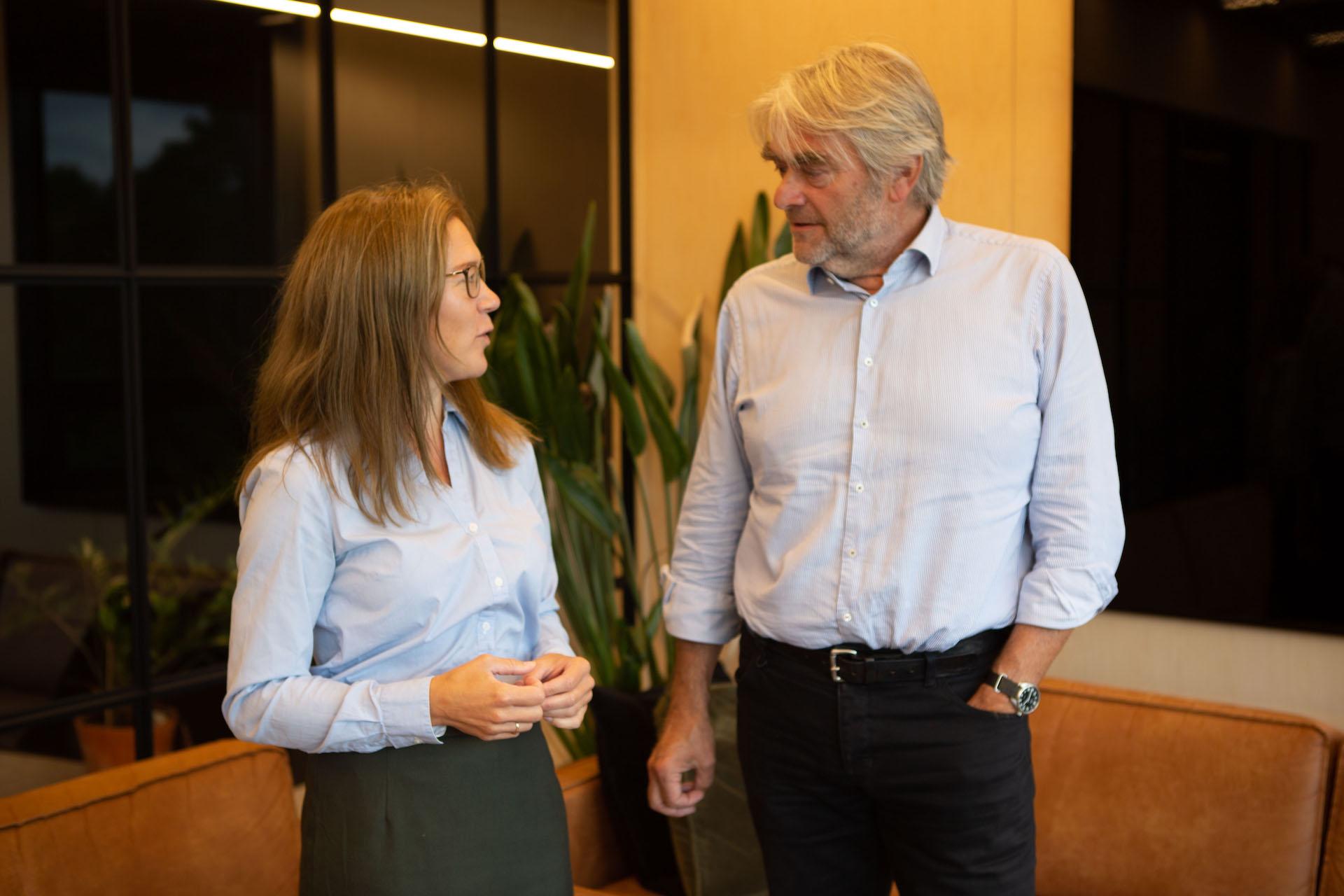 Ola Mestad gjest i ny podkast-episode om grunnlov, vev og prydsøm