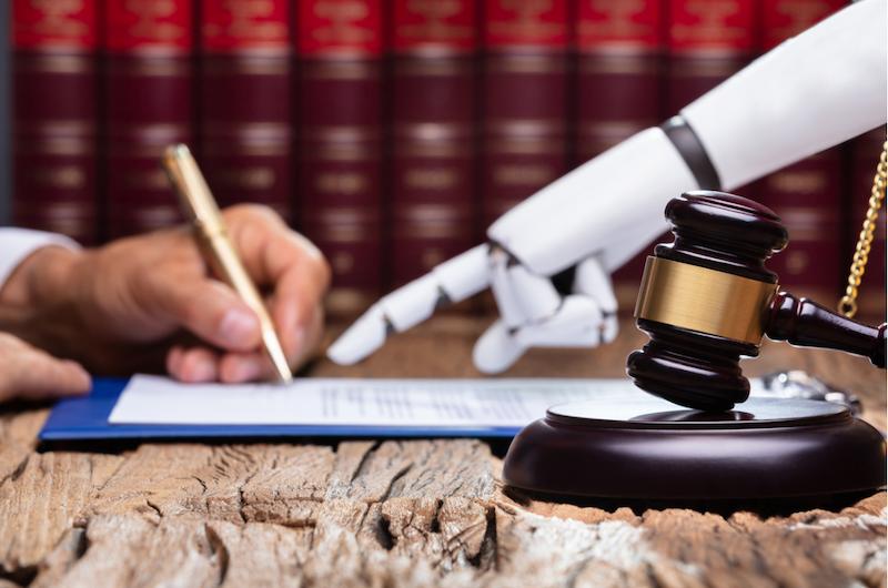 Advokatrobotene kommer - og kan ta med seg rettssikkerheten
